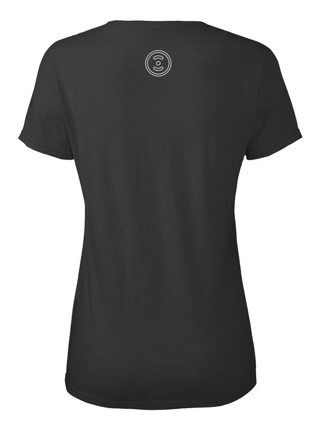 Female Iron Lifter Powerlifting Strong Standard Women/'s T-Shirt